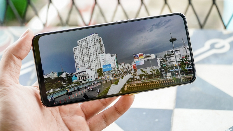 Điện thoại OPPO Reno2 F | Màn hình
