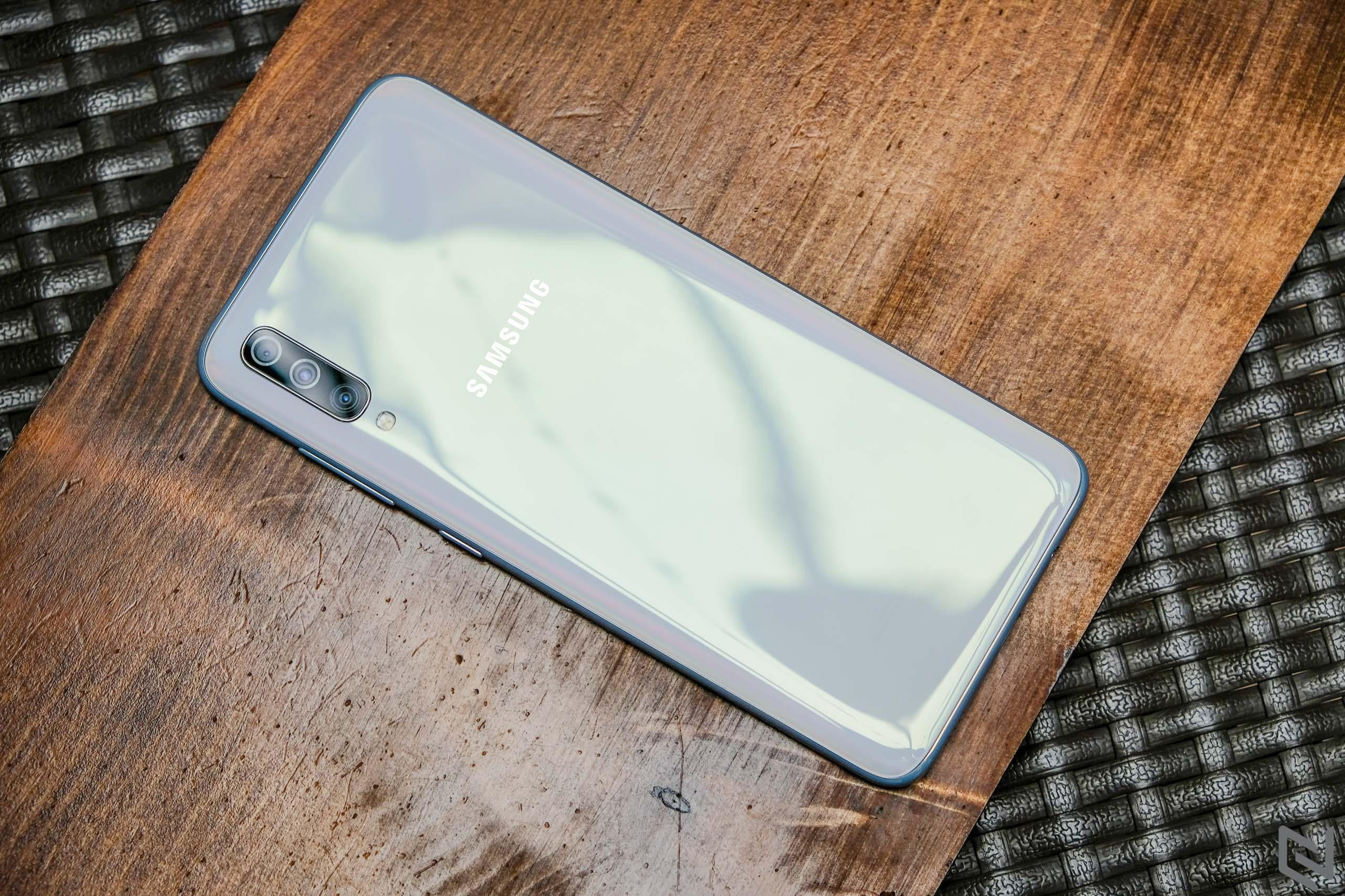 Đánh giá Galaxy A70