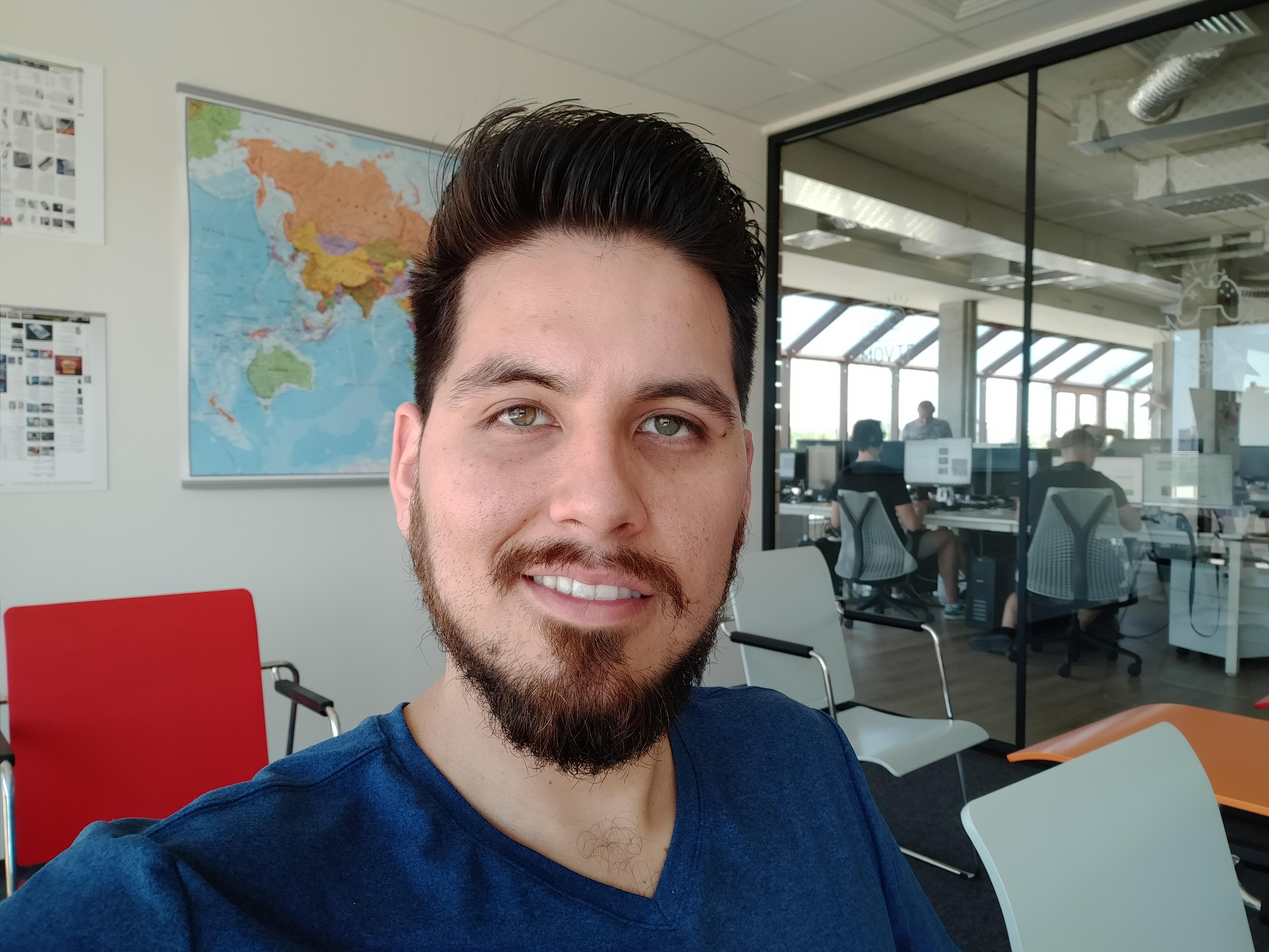 Sforum - Trang thông tin công nghệ mới nhất gsmarena_112 Đánh giá Realme 5: Thiết kế cao cấp, họa tiết lưng đẹp mắt, 4 camera linh hoạt, giá chỉ 3,990,000 đồng