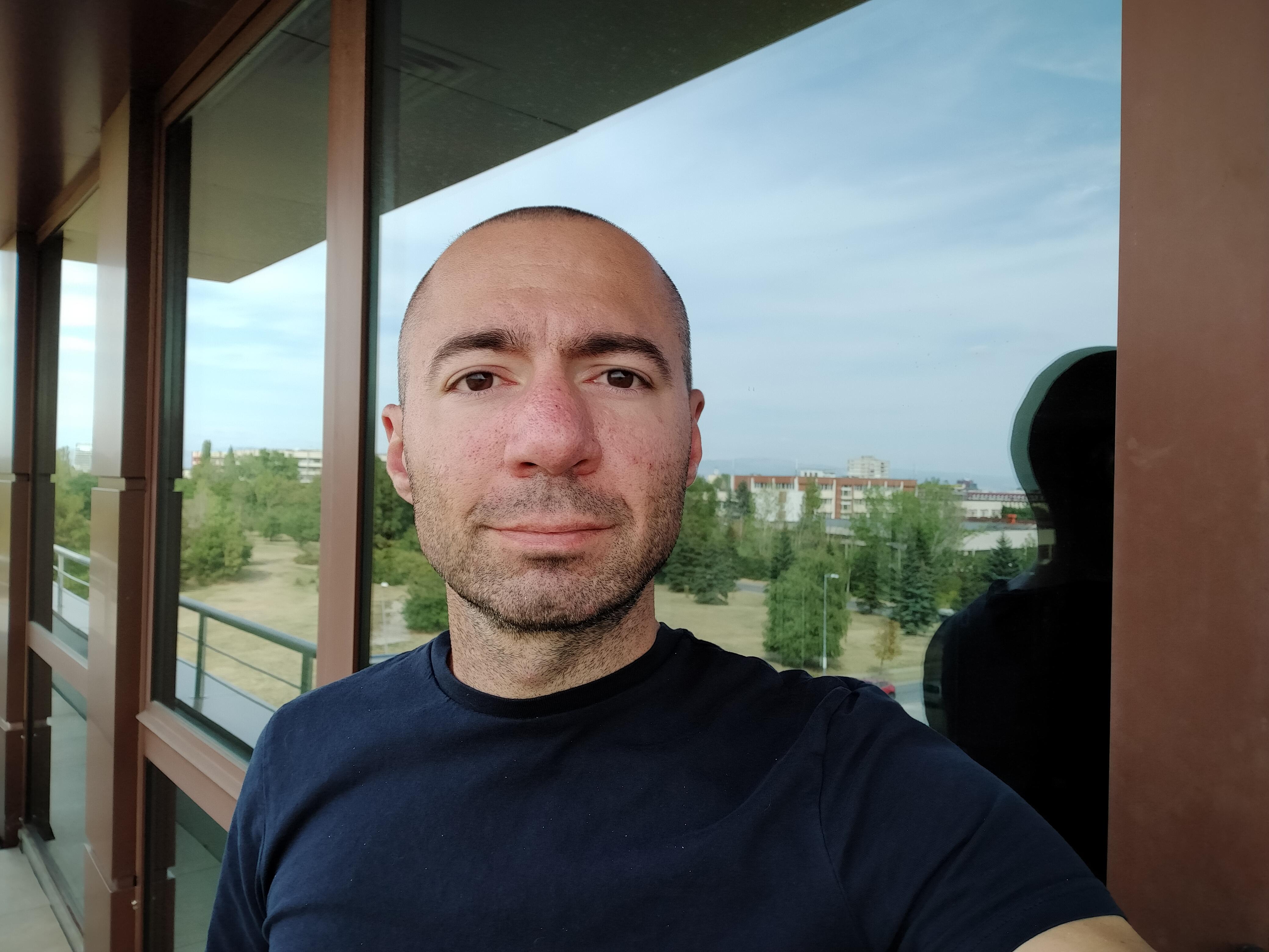Sforum - Trang thông tin công nghệ mới nhất gsmarena_114 Đánh giá Realme 5: Thiết kế cao cấp, họa tiết lưng đẹp mắt, 4 camera linh hoạt, giá chỉ 3,990,000 đồng