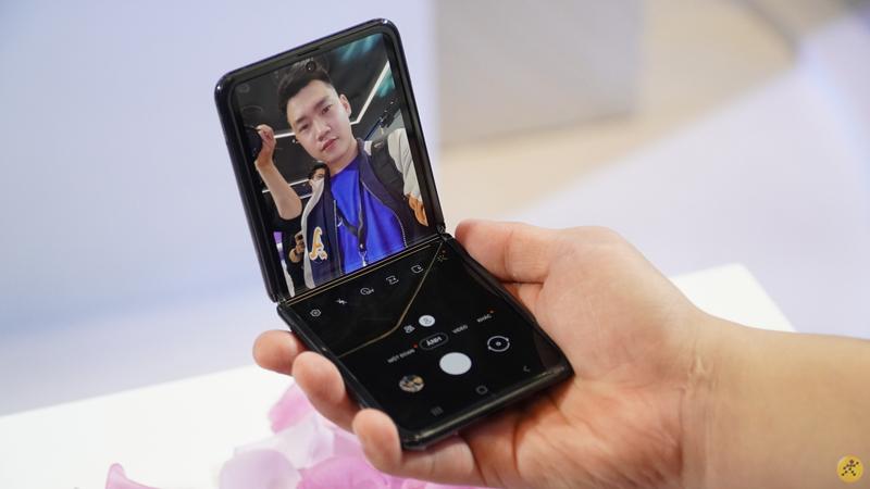 Điện thoại Samsung Galaxy Z Flip | Trải nghiệm camera