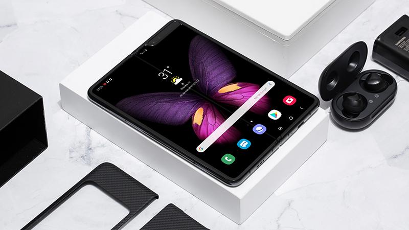 Thiết kế của điện thoại Samsung Galaxy Fold chính hãng