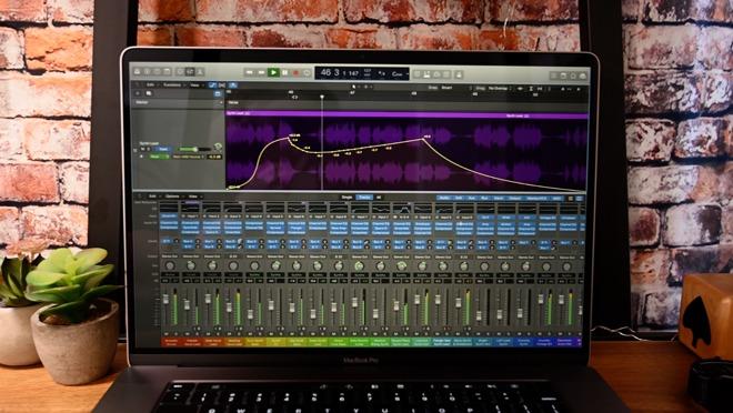 MacBook Pro 16 inch 02