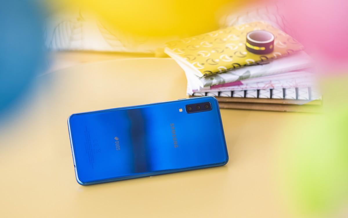 Samsung Galaxy A7: Siêu phẩm phân khúc tầm trung
