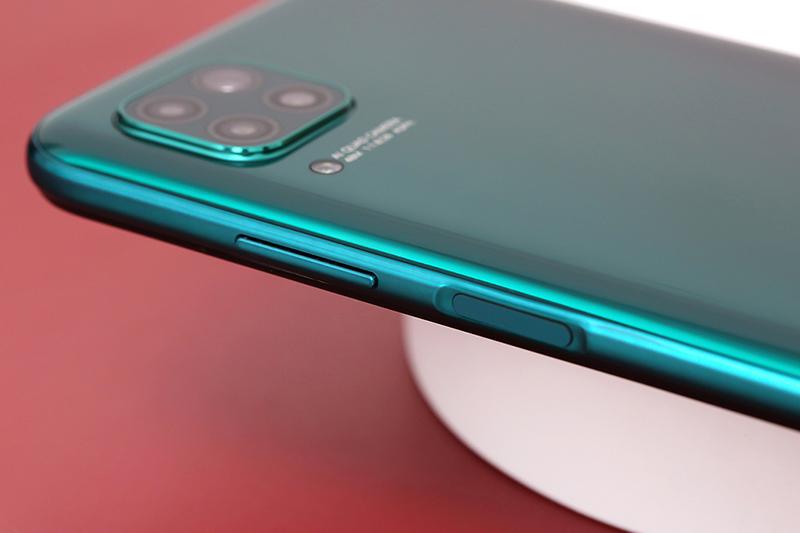 Điện thoại Huawei Nova 7i | Thiết kế cạnh trái