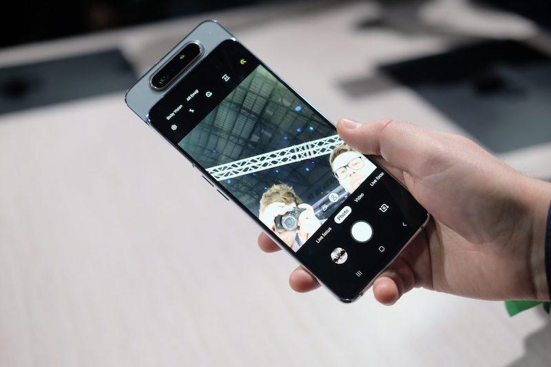 Điện thoại Samsung Galaxy A80 | Giao diện selfie