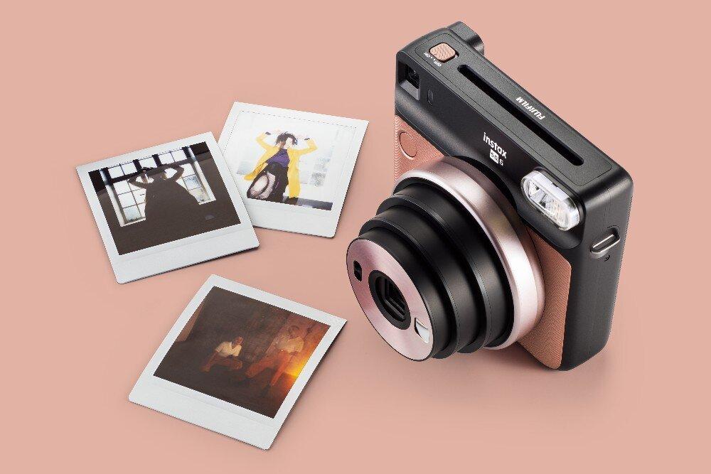 Thiết kế sang trọng của Fujifilm Instax SQUARE SQ6 Vàng