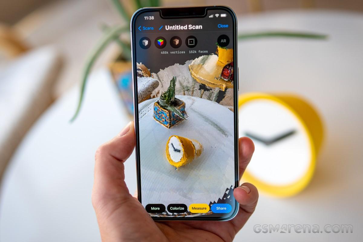 Sforum - Trang thông tin công nghệ mới nhất gsmarena_039 Đánh giá iPhone 12 Pro Max: Thiết kế sang trọng, cấu hình mạnh mẽ cùng camera ấn tượng