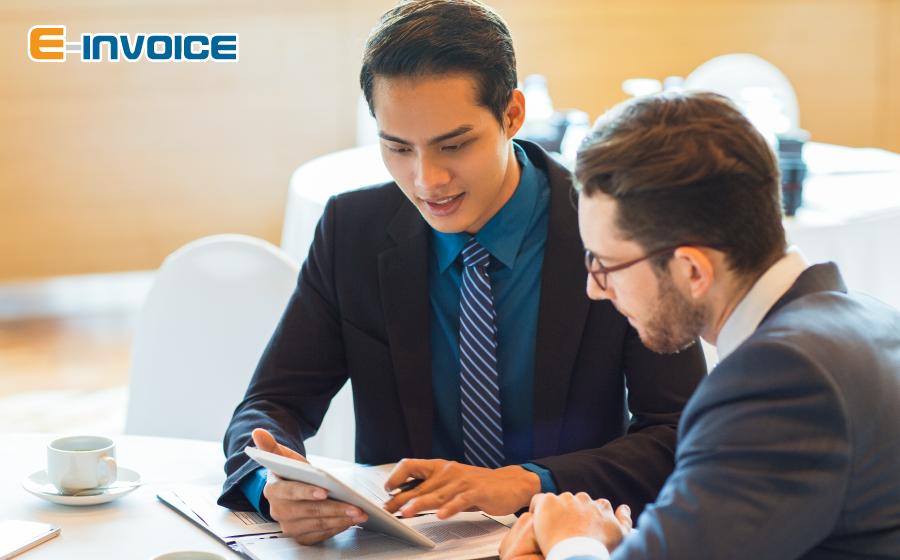 Để được đăng ký sử dụng hóa đơn điện tử DN phải đáp ứng các điều kiện tại Điều 4, Thông tư số 32/2011/TT-BTC.