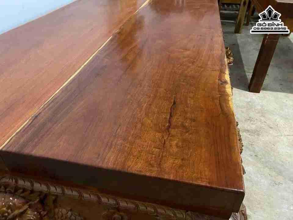 Sập Gỗ làm từ gỗ Hương không chỉ có giá trị mà nó còn mang vẻ đẹp tinh tế