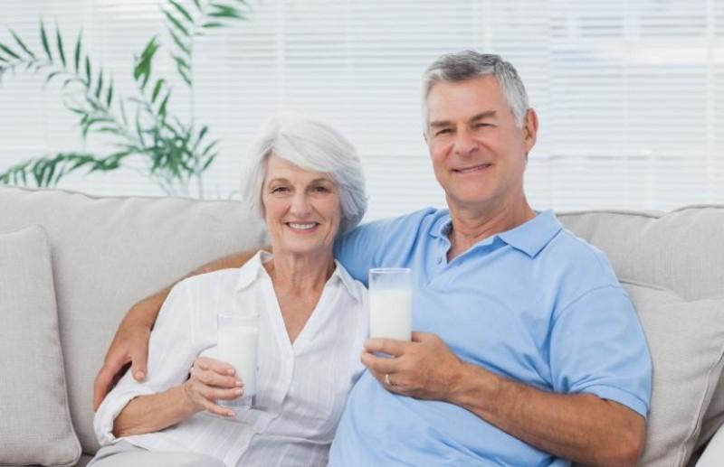 Top 11 loại sữa dành cho người già tốt nhất hiện nay - Toplist.vn