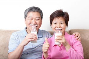 Bật mí cách lựa chọn sữa cho người cao tuổi có thể bạn chưa biết
