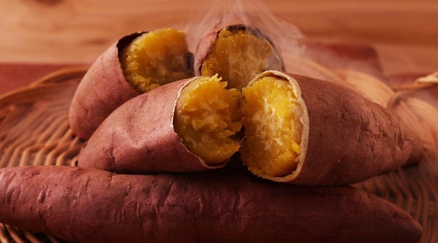 thực phẩm ngăn ngừa mụn là khoai lang