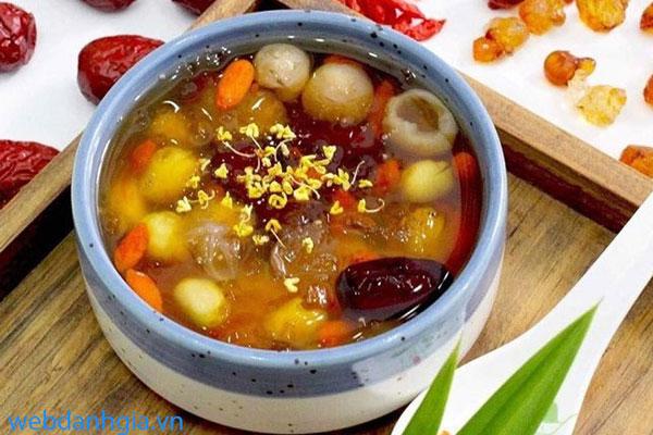 Bồ mễ là yếu tố tạo nên sự khác biệt của món chè dưỡng nhan 12 vị này.