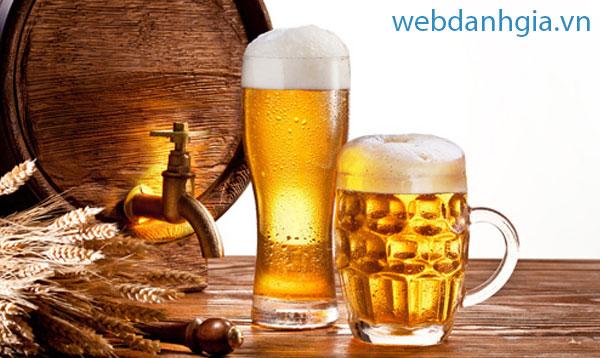 Nên thử mỗi lần nhậu với bia Hà Nội trong những ngày hè nóng bức