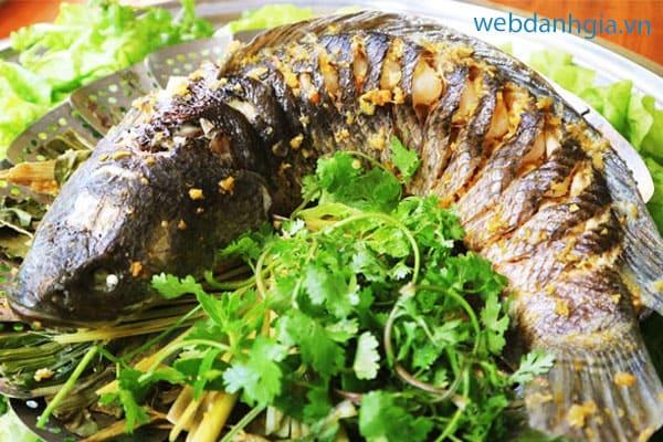 Sự kết hợp hoàn hảo giữa thịt cá tươi ngon và hương vị bia thoang thoảng