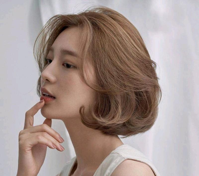 Dùng dầu dưỡng tóc phù hợp để chăm sóc mái tóc chắc khỏe hơn