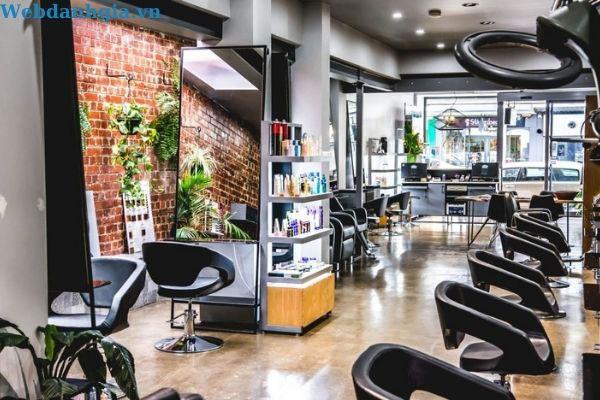 Không gian hiện đại của địa chỉ làm tóc layer nữ authony Salon