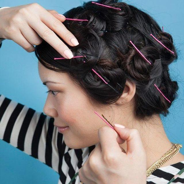 Làm xoăn tóc bằng kẹp tăm
